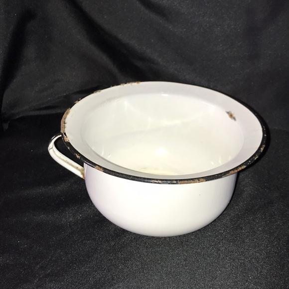 VTG Enamelware Small Chamber Pot/Planter~Blk/Wht